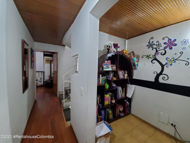 Casa Bogota D.C.>Bogota>La Floresta - Venta:750.000.000 Pesos - codigo: 21-2029