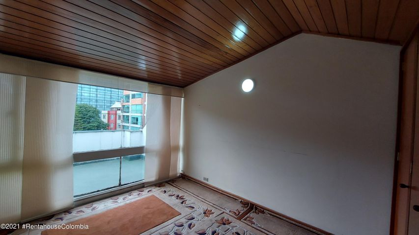 Apartamento Bogota D.C.>Bogota>Santa Barbara - Venta:650.000.000 Pesos - codigo: 21-2048