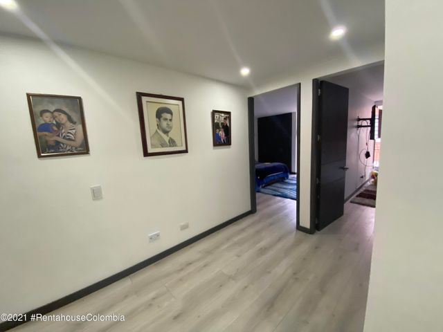 Apartamento Bogota D.C.>Bogota>Santa Paula - Venta:2.500.000.000 Pesos - codigo: 21-2093
