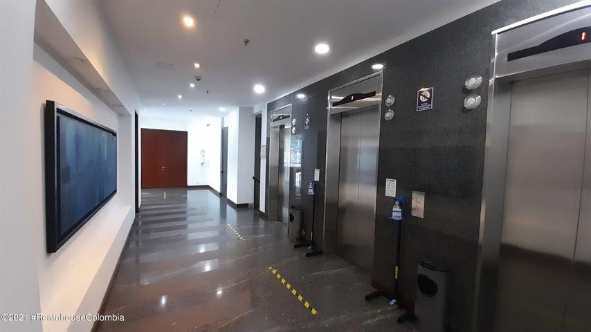 Oficina Bogota D.C.>Bogota>Santa Bibiana - Arriendo:9.600.000 Pesos - codigo: 22-81