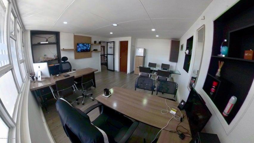 Oficina Bogota D.C.>Bogota>La Castellana - Arriendo:1.300.000 Pesos - codigo: 22-295