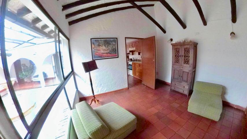 Casa Cundinamarca>Chia>20 de Julio - Venta:1.100.000.000 Pesos - codigo: 22-383