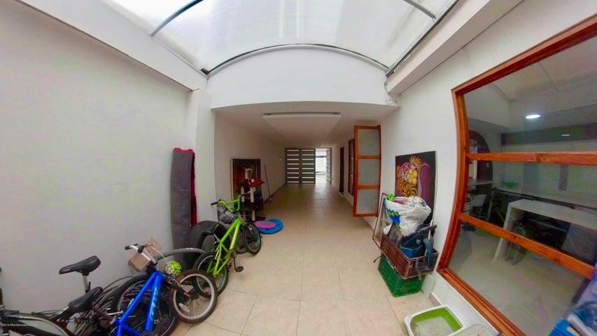 Casa Bogota D.C.>Bogota>Batan - Venta:950.000.000 Pesos - codigo: 22-511