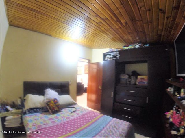 Edificio Bogota D.C.>Bogota>Guadual Fontibon - Venta:700.000.000 Pesos - codigo: 22-561