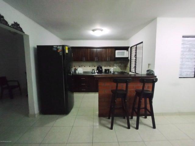 Casa Antioquia>Medellin>Santa Fe - Venta:390.000.000 Pesos - codigo: 22-571