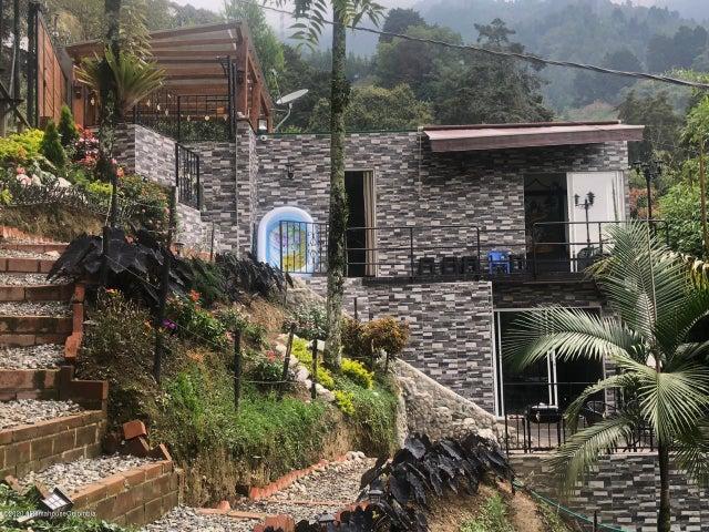 Casa Antioquia>La Estrella>Comfama - Venta:470.000.000 Pesos - codigo: 22-572