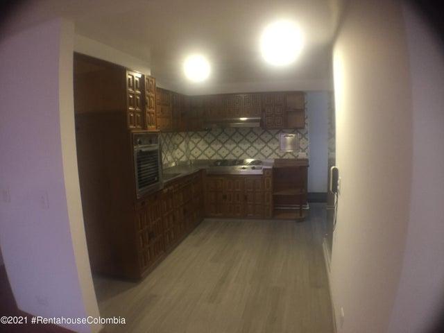 Apartamento Bogota D.C.>Bogota>Santa Barbara Central - Venta:450.000.000 Pesos - codigo: 22-575
