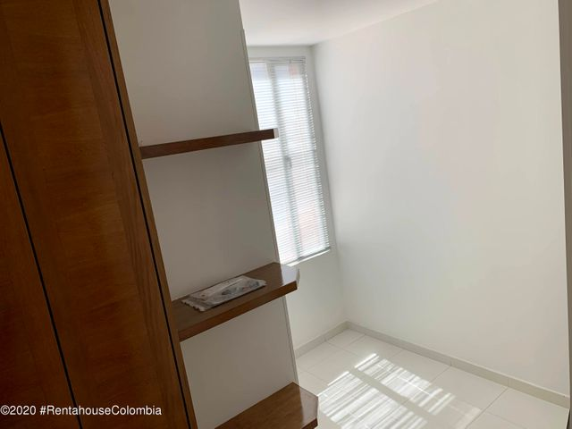 Apartamento Bogota D.C.>Bogota>Santa Barbara Central - Venta:900.000.000 Pesos - codigo: 22-586
