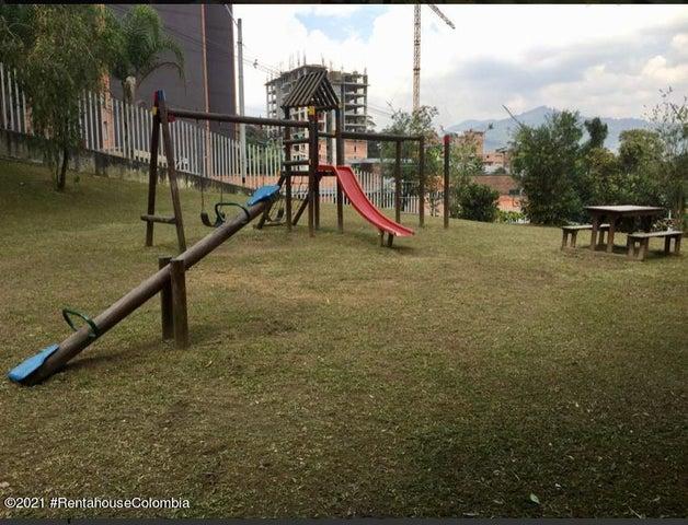 Apartamento Antioquia>Envigado>Senorial - Venta:235.000.000 Pesos - codigo: 22-716