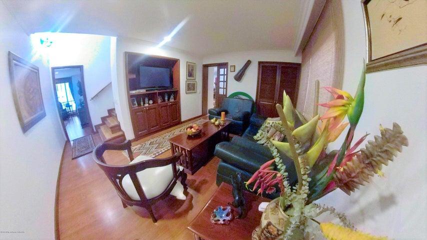 Apartamento Bogota D.C.>Bogota>Chico Navarra - Venta:1.300.000.000 Pesos - codigo: 22-743
