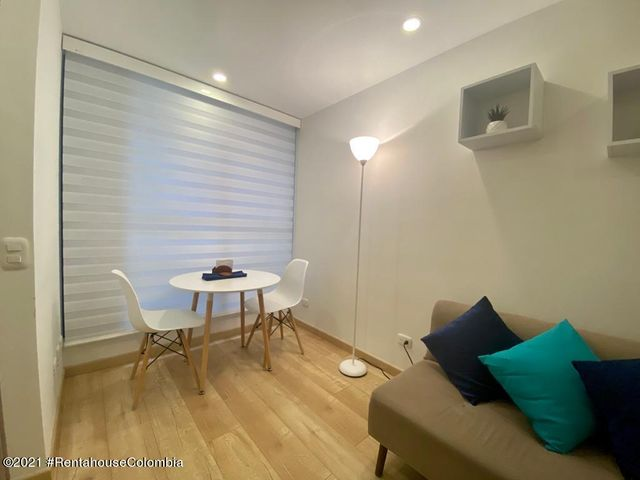 Apartamento Bogota D.C.>Bogota>Santa Barbara - Venta:250.000.000 Pesos - codigo: 22-1270