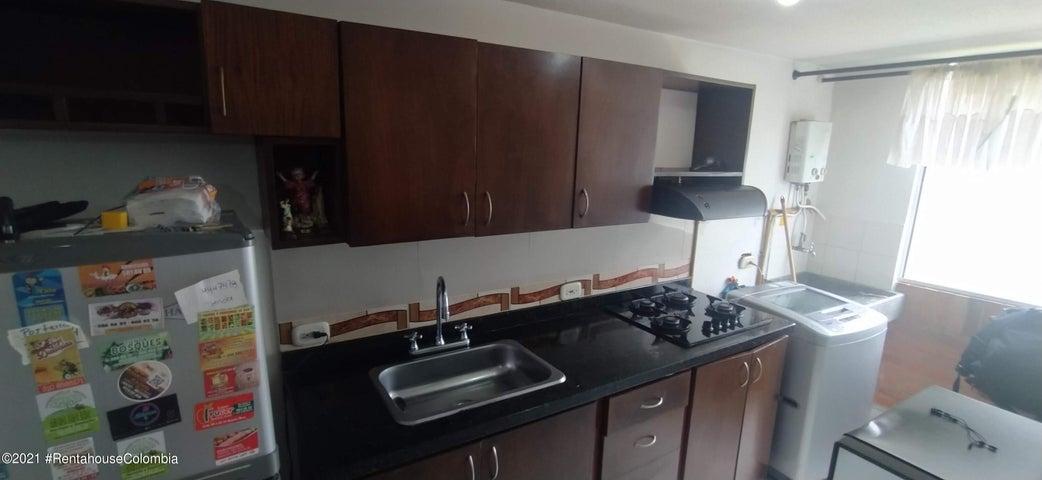 Apartamento Antioquia>Medellin>Bombona II - Venta:200.000.000 Pesos - codigo: 22-1460