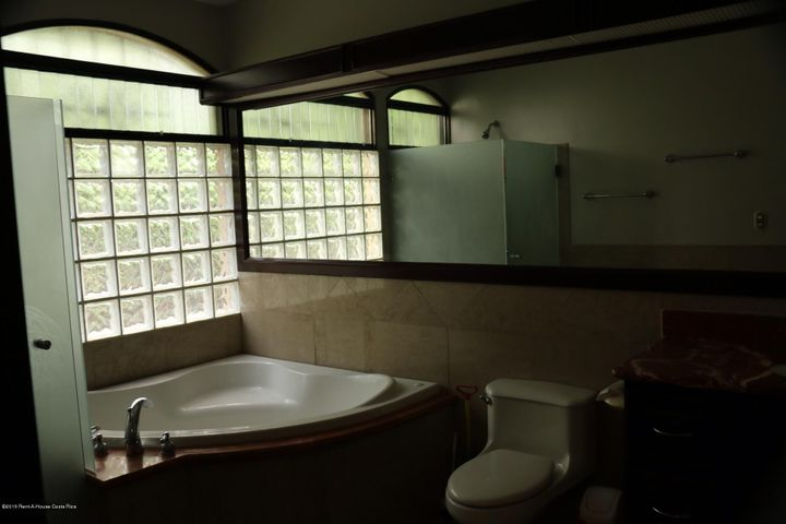 Casa San Jose>Santa Ana>Santa Ana - Alquiler:1.850 US Dollar - codigo: 15-371