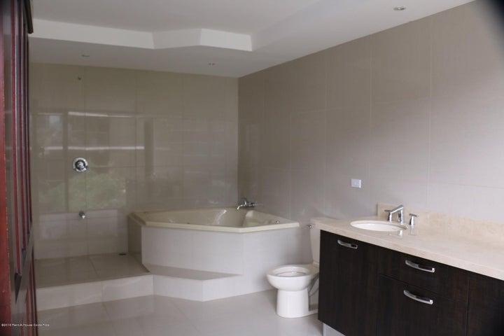 Apartamento San Jose>Escazu>Escazu - Venta:460.000 US Dollar - codigo: 16-26