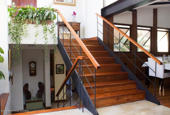 Condominio San Jose>Guachipelin>Escazu - Venta:350.000 US Dollar - codigo: 16-61