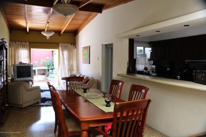 Casa San Jose>Rohrmoser>San Jose - Venta:285.000 US Dollar - codigo: 16-117