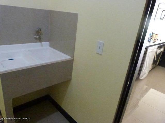 Casa San Jose>Guachipelin>Escazu - Venta:395.000 US Dollar - codigo: 16-119