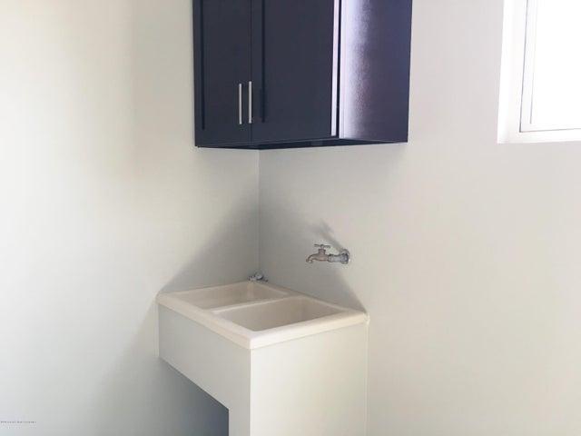 Apartamento San Jose>San Rafael Escazu>Escazu - Venta:280.000 US Dollar - codigo: 16-171
