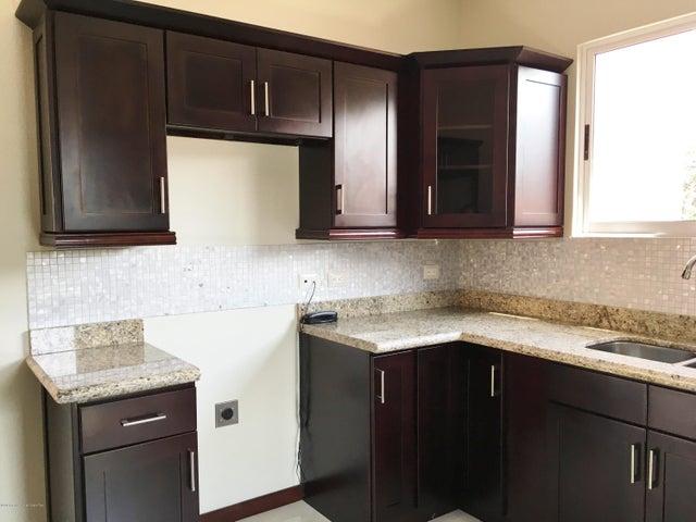 Apartamento San Jose>San Rafael Escazu>Escazu - Venta:295.000 US Dollar - codigo: 16-174