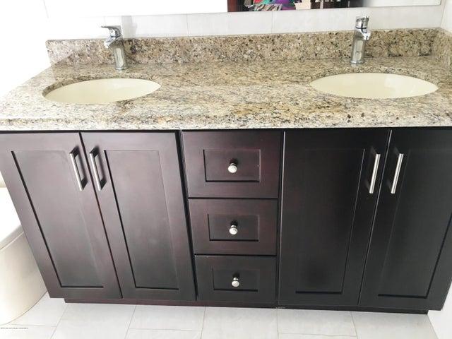 Apartamento San Jose>San Rafael Escazu>Escazu - Venta:260.000 US Dollar - codigo: 16-177