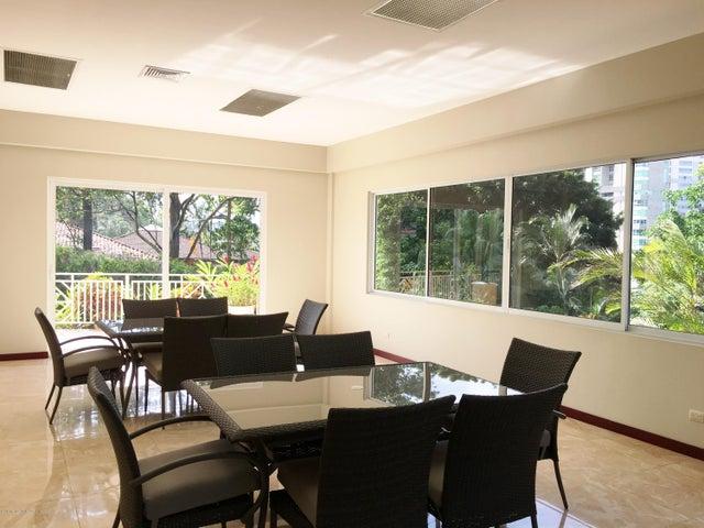 Apartamento San Jose>San Rafael Escazu>Escazu - Venta:260.000 US Dollar - codigo: 16-184