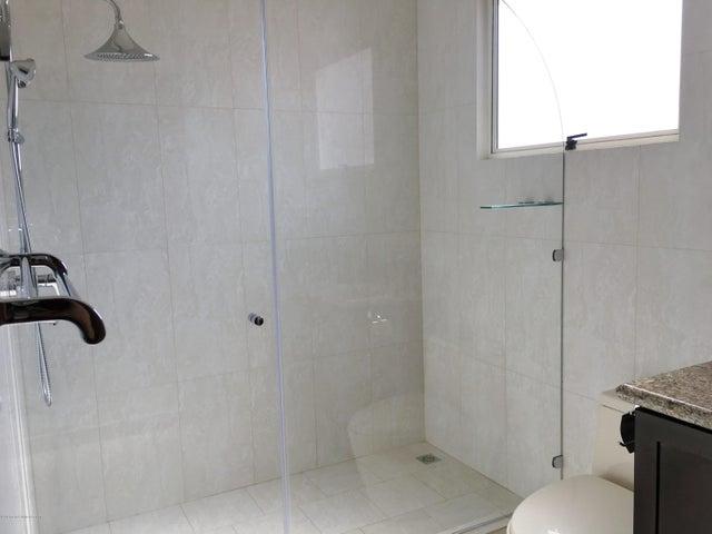 Apartamento San Jose>San Rafael Escazu>Escazu - Venta:265.000 US Dollar - codigo: 16-185