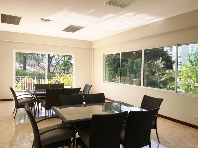 Apartamento San Jose>San Rafael Escazu>Escazu - Venta:275.000 US Dollar - codigo: 16-187