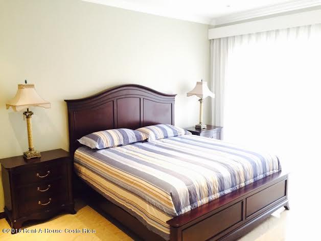 Apartamento San Jose>San Rafael Escazu>Escazu - Venta:340.000 US Dollar - codigo: 16-190