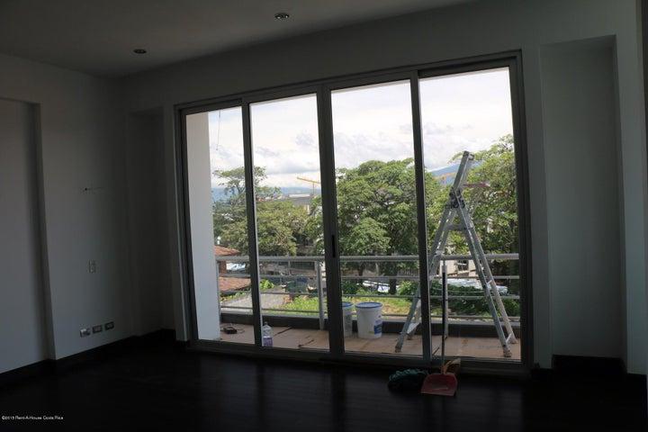 Condominio San Jose>Guachipelin>Escazu - Alquiler:3.000 US Dollar - codigo: 16-241