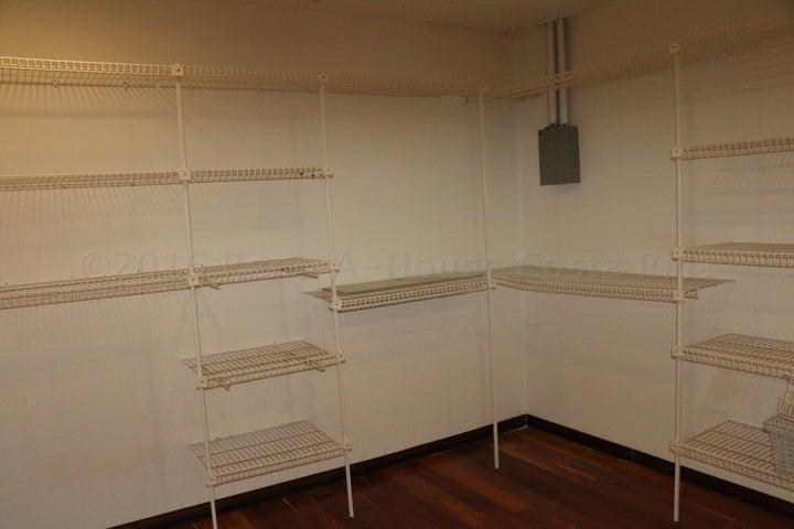 Condominio San Jose>Santa Ana>Santa Ana - Venta:325.000 US Dollar - codigo: 16-290