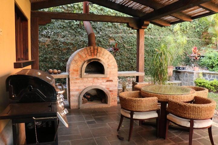 Casa San Jose>Guachipelin>Escazu - Venta:620.000 US Dollar - codigo: 17-160