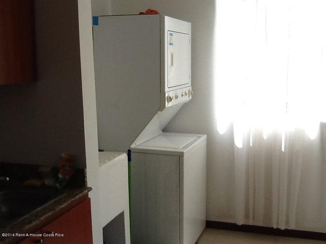 Apartamento Puntarenas>Jaco>Garabito - Venta:124.000 US Dollar - codigo: 17-176