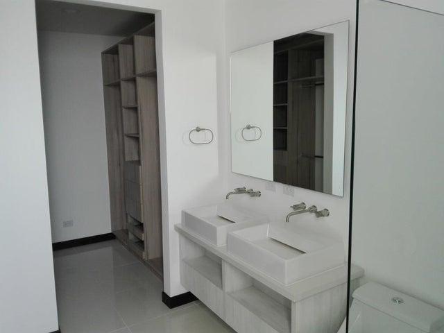 Casa San Jose>San Antonio>Escazu - Venta:285.000 US Dollar - codigo: 17-310