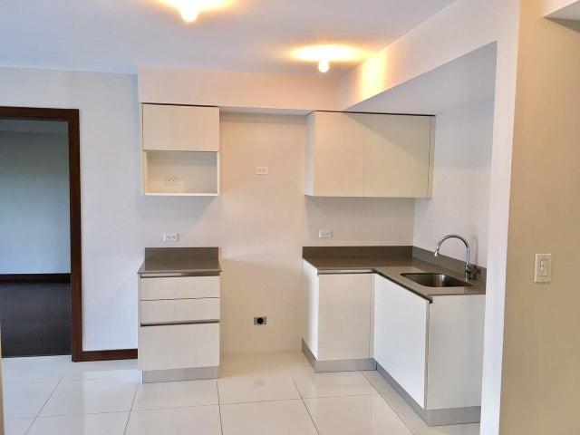 Apartamento San Jose>La Uruca>San Jose - Venta:202.000 US Dollar - codigo: 17-365