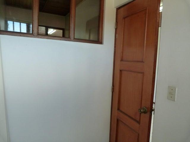 Oficina San Jose>La Uruca>San Jose - Alquiler:700 US Dollar - codigo: 17-449