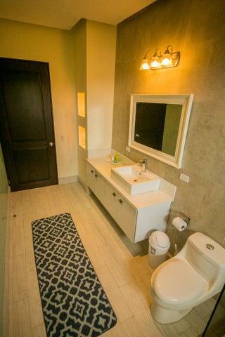 Casa San Jose>Santa Ana>Santa Ana - Venta:435.000 US Dollar - codigo: 17-627