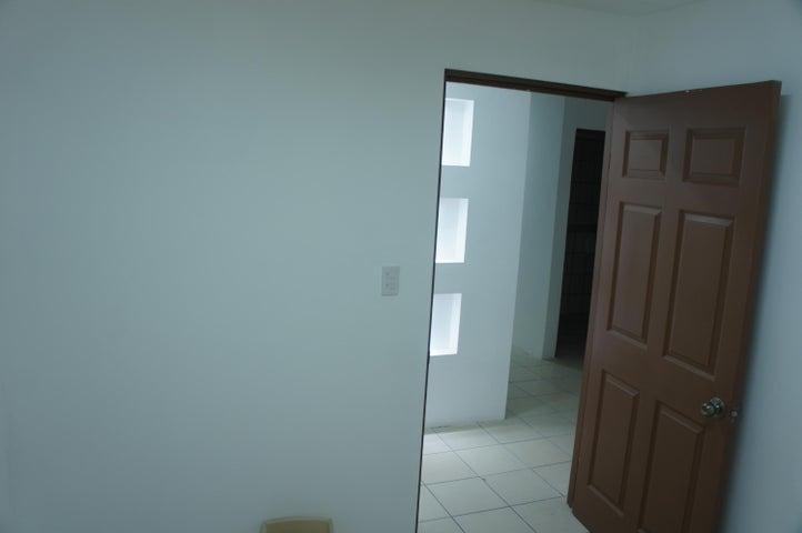 Oficina San Jose>Zapote>San Jose - Alquiler:250 US Dollar - codigo: 17-632