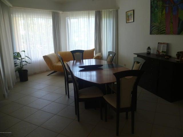 Apartamento Guanacaste>Playa Langosta>Santa Cruz - Venta:415.000 US Dollar - codigo: 17-774