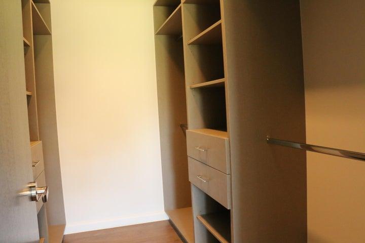 Casa San Jose>Guachipelin>Escazu - Venta:469.000 US Dollar - codigo: 17-903