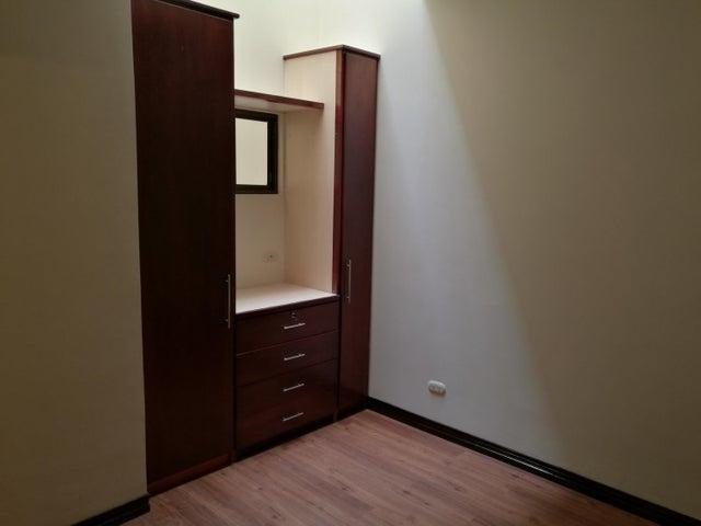 Casa San Jose>Guachipelin>Escazu - Alquiler:1.600 US Dollar - codigo: 17-916