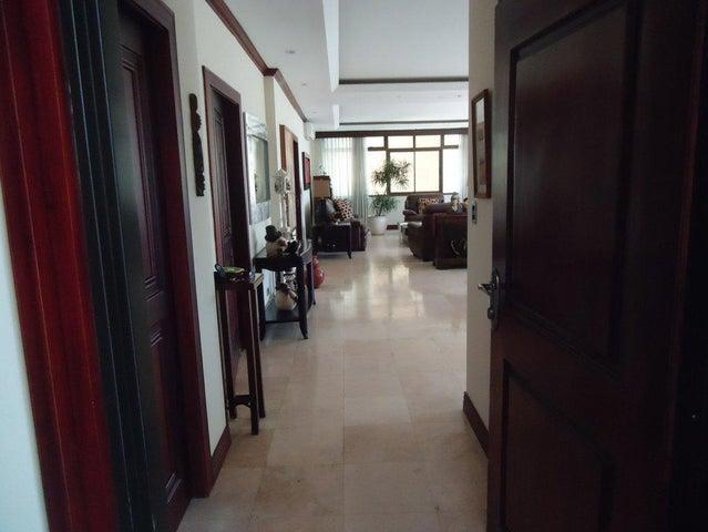 Apartamento San Jose>Trejos Montealegre>Escazu - Venta:435.000 US Dollar - codigo: 17-1073