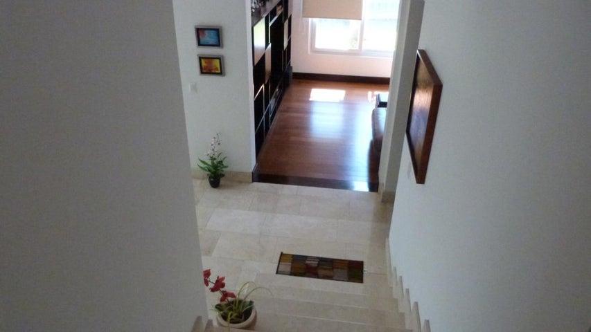 Casa San Jose>San Rafael Escazu>Escazu - Venta:665.000 US Dollar - codigo: 18-19