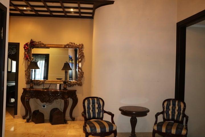 Casa San Jose>Sabana>San Jose - Venta:1.350.000 US Dollar - codigo: 18-27