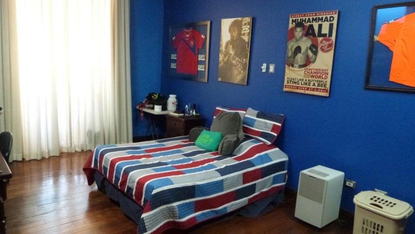 Casa San Jose>Guachipelin>Escazu - Venta:900.000 US Dollar - codigo: 18-116
