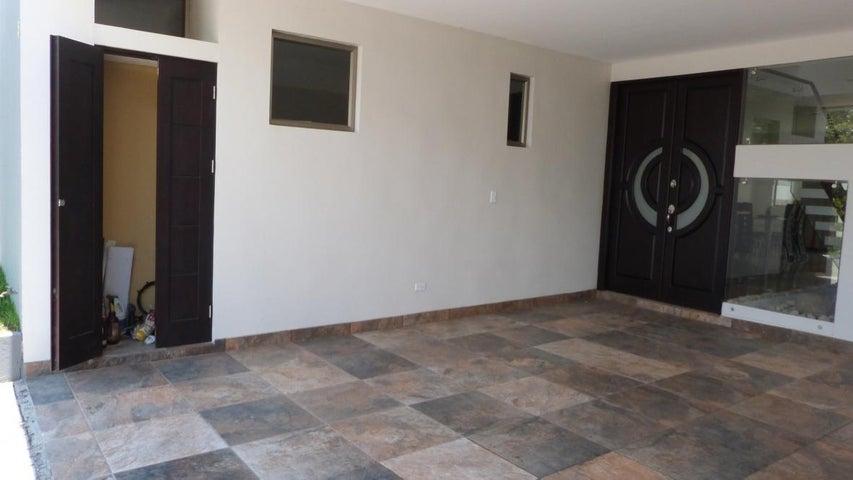 Casa San Jose>Guachipelin>Escazu - Venta:405.000 US Dollar - codigo: 16-120