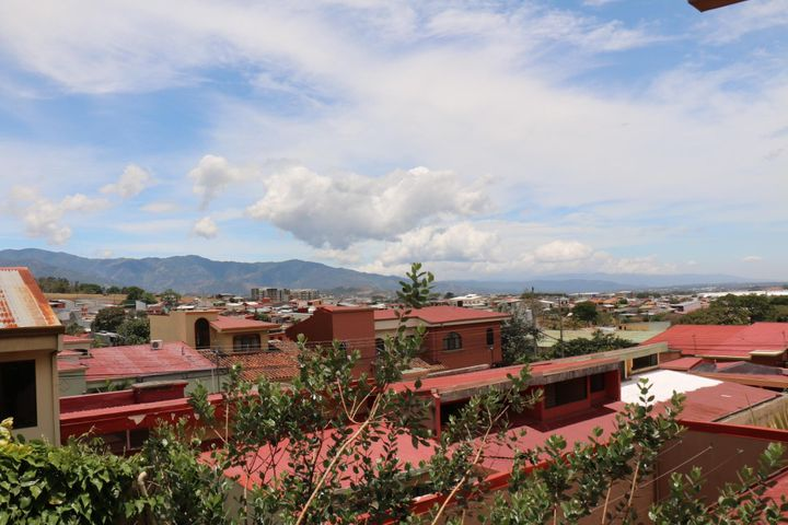 Casa Heredia>San Francisco de Heredia>Heredia - Venta:120.000 US Dollar - codigo: 18-267