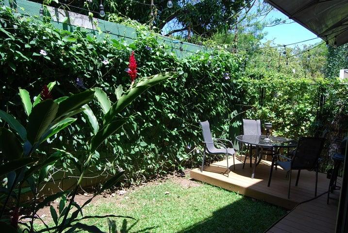 Casa San Jose>Santa Ana>Santa Ana - Venta:364.000 US Dollar - codigo: 18-340