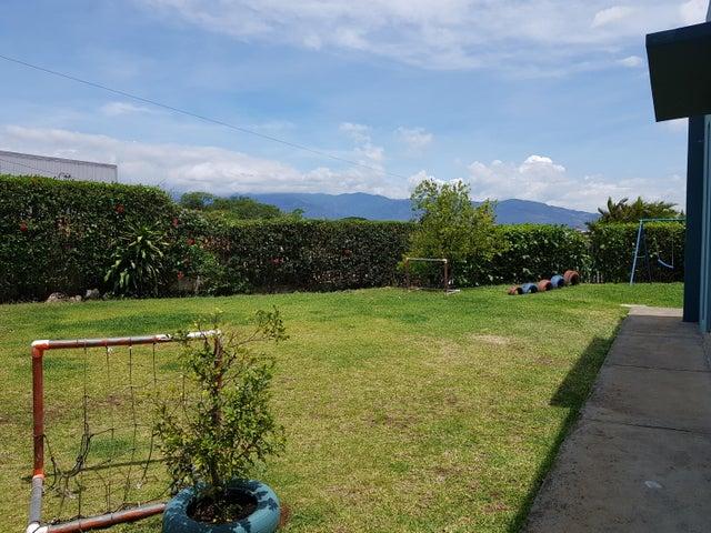 Casa Alajuela>Desamparados>Alajuela - Venta:220.000 US Dollar - codigo: 18-323