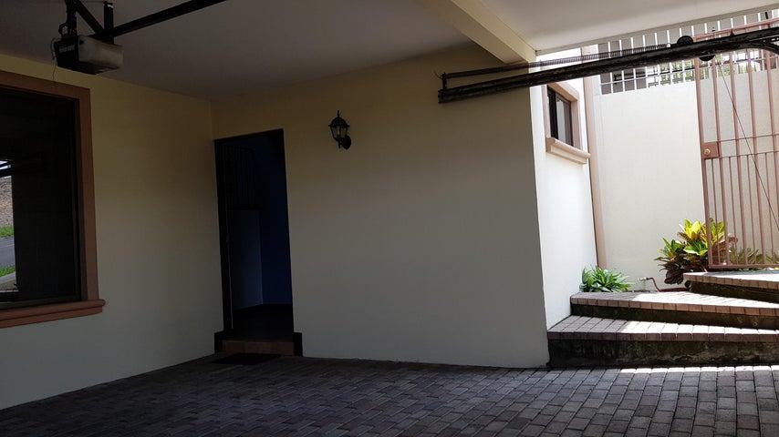 Casa San Jose>Guachipelin>Escazu - Venta:185.000 US Dollar - codigo: 18-676