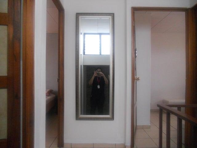 Casa San Jose>Lomas de Ayarco Sur>Curridabat - Venta:120.000 US Dollar - codigo: 18-748